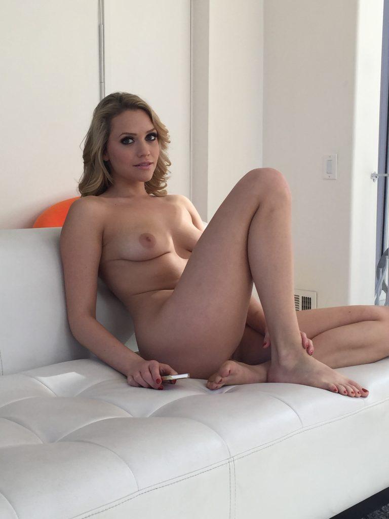 nude mia malkova