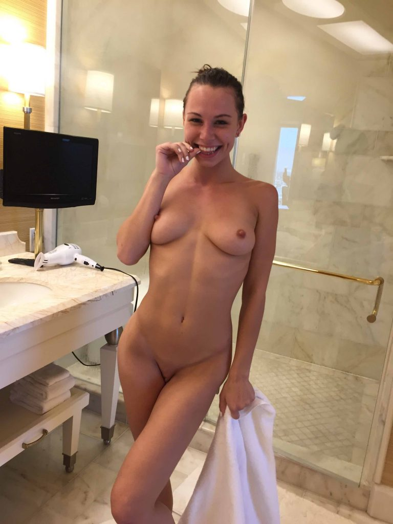 Sexy naked amateur girls nude