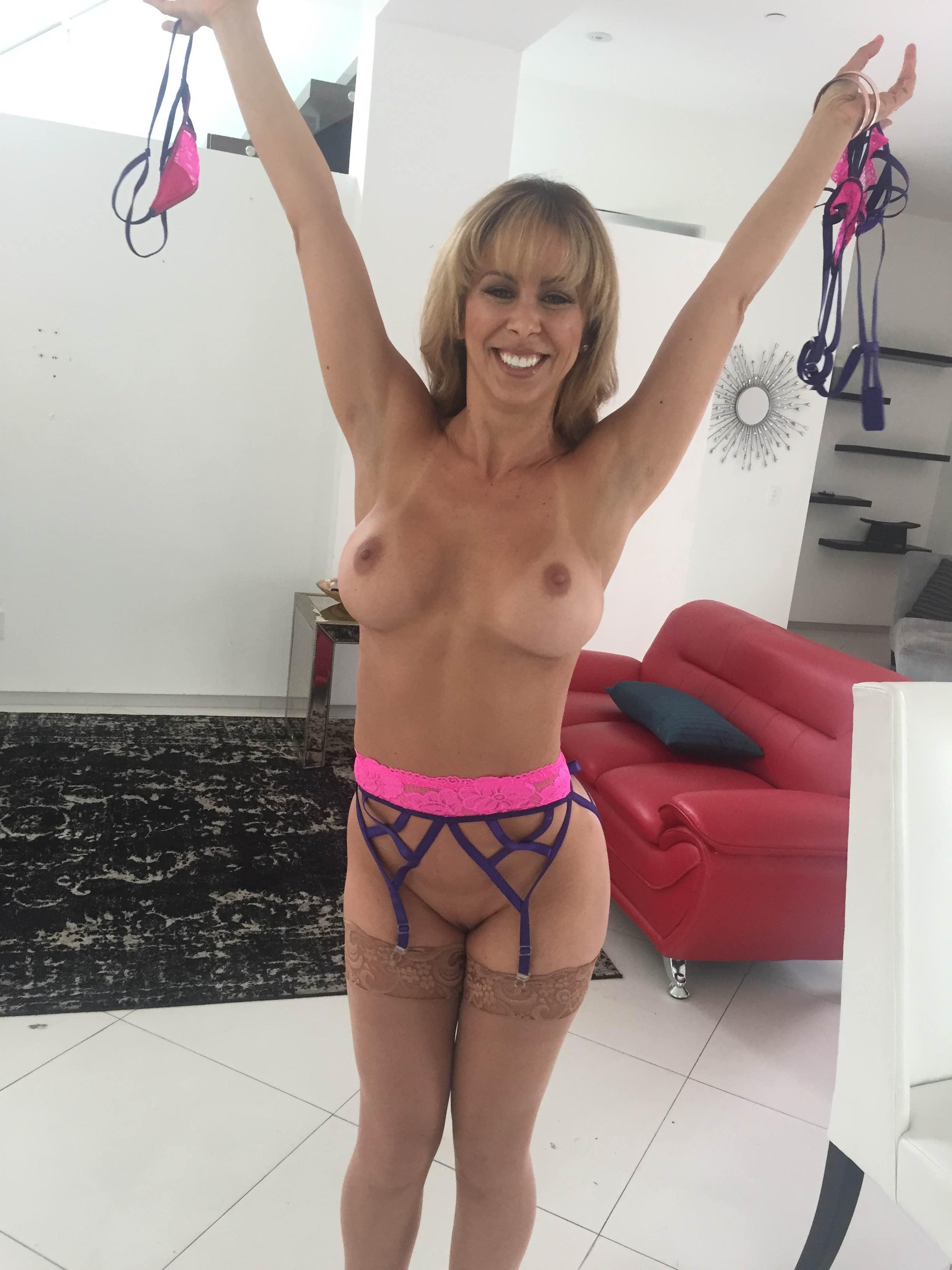 Nikki Brooks B G Porn nude on set with blonde milf porn star cherie deville and
